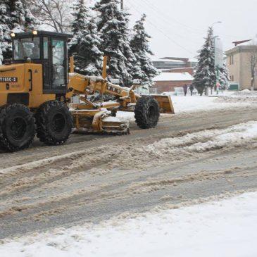 Розчистка доріг від снігу