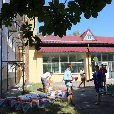 Продовжуються роботи по проекту «Капітальний ремонт частини фасаду Сновської ЗОШ I-III ст. №1