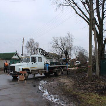 Видалення аварійних дерев на території Сновської громади