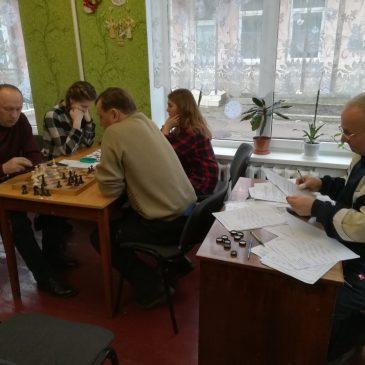 Шахово-шашковий турнір у Сновську
