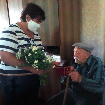 Нагороду ветерану вручили у Смячі