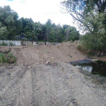 Укріпили дамбу у селі Іванівка