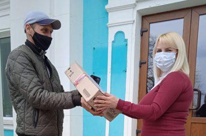 Сновська громада отримала планшети від Програми DOBRE