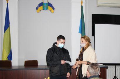 На засіданні виконкому вручили ордер на житло лікарю-рентгенологу і встановили тарифи на опалення
